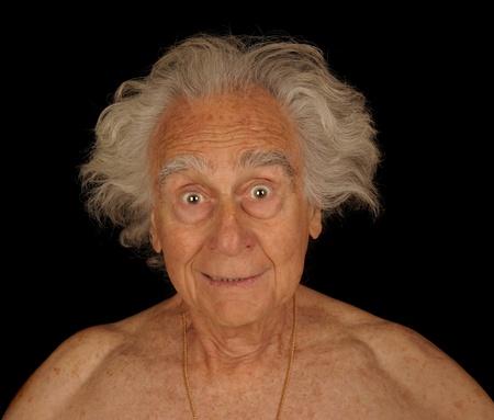 ユーモラスな画像、高齢者の男の周りプレイ