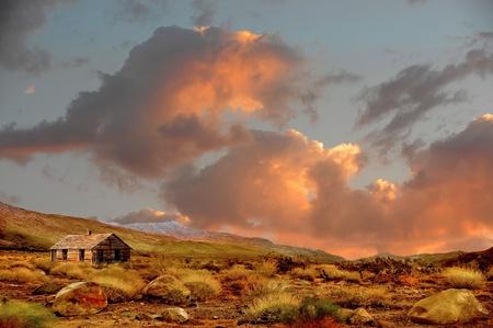 アメリカの田舎で放棄された農家の美しい画像