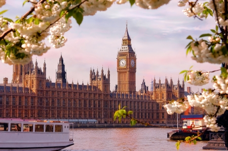 great britain: Image of beautiful spring day with Big ben and the Thames River