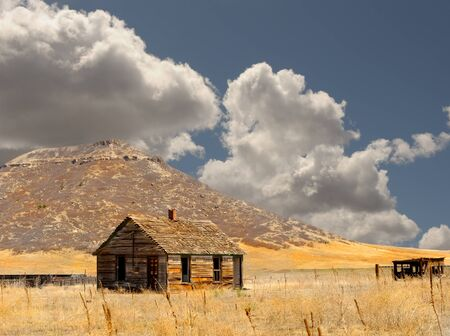Beautiful Image of a Abandoned New mexico barn Stock Photo - 11089428