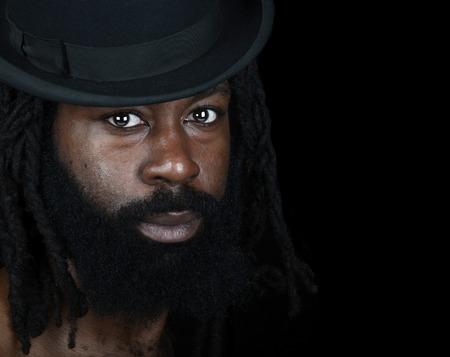 dreadlocks: Bonita imagen de un apuesto hombre afroamericano Foto de archivo