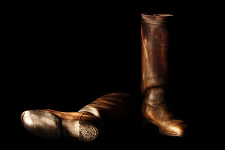 flatfoot: Old used handmade Leather boots in low-key technique