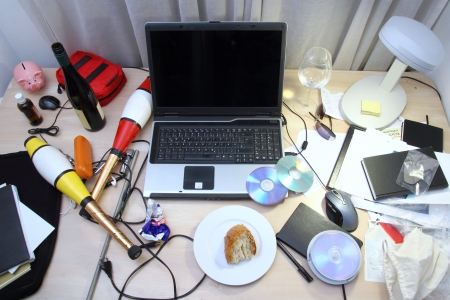 office chaos: Messy Desk
