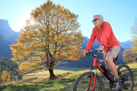 A Vital Senior Mountainbiking 2