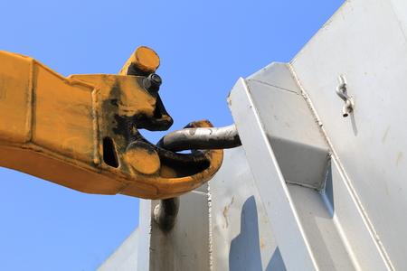 Ein Haken eines LKW seine Anhänger Entladen Standard-Bild - 57427472