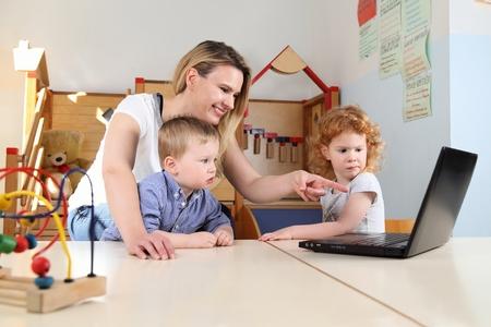 Media education and literacy in kindergarten Standard-Bild - 101495373