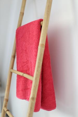 A Bamboo bathroom towel rack Standard-Bild - 121545886