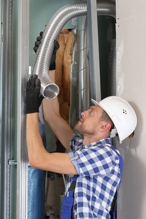Mounting a ventilation technology on construction site