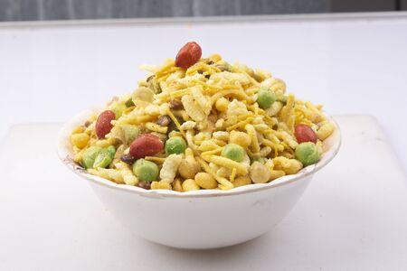 indian khatta meetha namkeen mixture image Standard-Bild