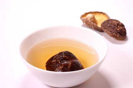 Dried shiitake mushrooms and shiitake soup 版權商用圖片