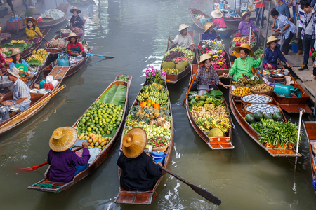 Floating market in Thailand.Damnoen Damnoen Saduak floating in Ratchaburi Editorial