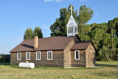 Eden Valley Episcopal Log Church, Wyoming, Built in 1938  Still Welcoming Travelers Banco de Imagens