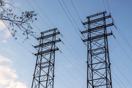High voltage power lines. 版權商用圖片