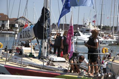 yacht race: Ocean Village, Southampton Reino Unido - 22 de julio: Ronda Clipper del World Yacht ganador de la carrera 'Gold Coast' llega a Southampton. 22 de julio 2012