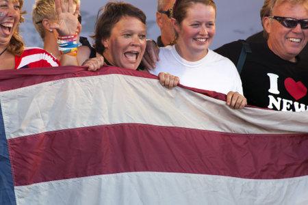 yacht race: Ocean Village, Southampton Reino Unido - 22 de julio: El equipo de 'Nueva York' en el final de la Ronda de la regata Clipper Mundial. 22 de julio 2012