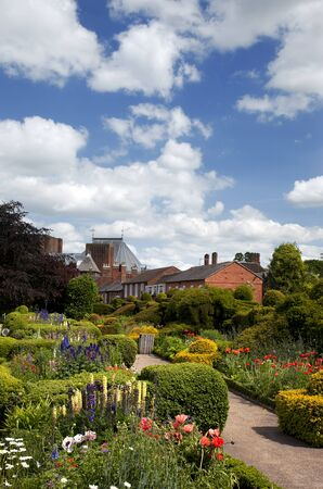 The garden of Nashs house, Stratford-upon-Avon. This house was bougt by William Shakespeare for his granddaughter. The Royal Shakespeare Theatre can be seen in the background.