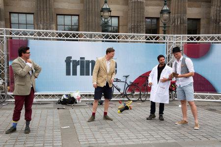 fringe: EDINBURGH - AUGUST 15: Street performers at the fringe festival, on August15, 2015 in Edinburgh, Scotland Editorial