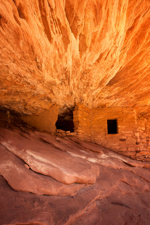 anasazi ruins: The 800 year old Anasazi ruins of Mule Canyon, known as The House of Fire, because when the sun hits the rock, it appears to glow as if on fire. Cedar Mesa, Utah, USA
