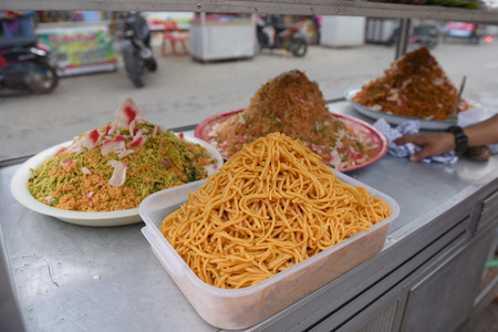 a variety of menus breaking the fast of Ramadan in Aceh 版權商用圖片