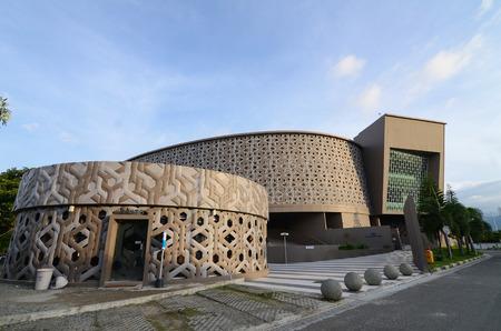 Banda Aceh, Aceh province, Indonesia. November 27, 2015: Aceh Museum Tsunami 新聞圖片