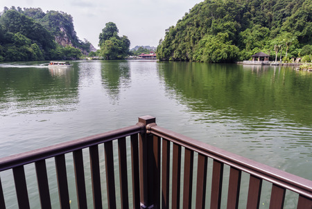 View of boat passing by in the Gunung Lang lake, Ipoh Kho ảnh