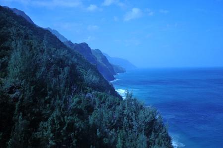 北部ハワイの海岸沿いは、ジュラシック ・ パーク、他の映画の中で撮影された美しい海岸です。