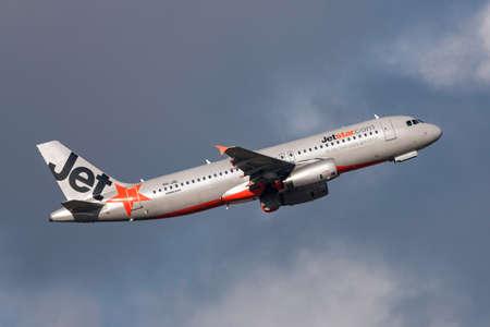 Melbourne, Australia - September 25, 2011: Jetstar Airways Airbus A320-232 VH-JQL departing Melbourne International Airport.