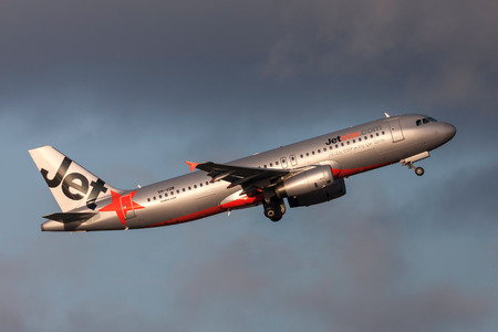 Melbourne, Australia - September 25, 2011: Jetstar Airways Airbus A320-232 VH-VQM departing Melbourne International Airport. Editöryel
