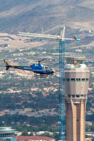 Las Vegas, Nevada, USA - May 8, 2013: Eurocopter AS-350BA Helicopter operated by KLAS TV Channel 8 Skywitness News Helicopter N808HD. Éditoriale