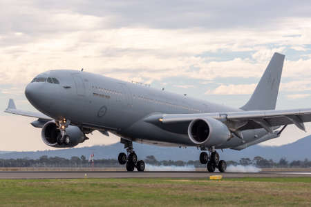 Avalon, Australia - February 27, 2015: Royal Australian Air Force (RAAF) Airbus KC-30A Multi Role Tanker Transport Aircraft from RAAF Amberley landing at Avalon Airport. Éditoriale