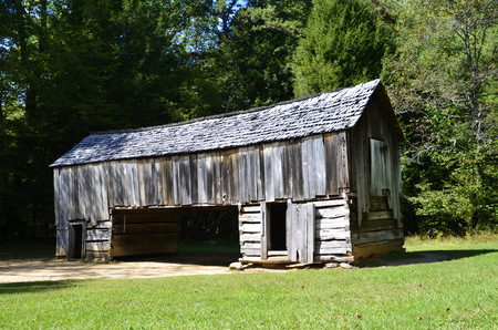 homesteads: Very unique log barn found in Cades Cove within the Great Smoky Mountains Stock Photo
