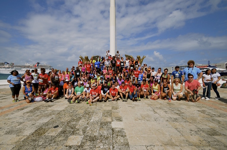 sponsors: COZUMEL, MEXICO-February 17, 2016: Run For Fun Cruise is a club from the Ottawa, Canada area which sponsors runners the opportunity to meet, train, and participate on different island races while enjoying the leisure of cruising.