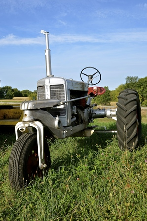 mn: ROLLAG, MINNESOTA, Sept 1: An old restored Silver King tractor is  displayed at the West Central Steam Threshers Reunion(WCSTR) where 1000s attend each Labor Day weekend in Rollag, MN each year. Editorial