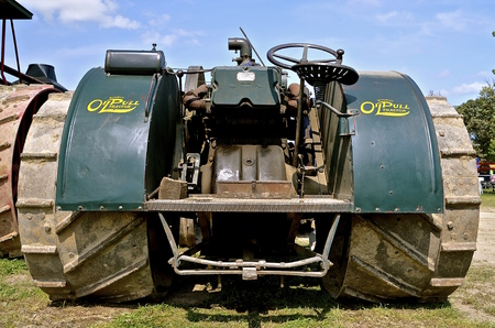 lugs: ROLLAG, MINNESOTA, Sept 1. 2016: The historic Oil Pull steam engine is displayed at the West Central Steam Threshers Reunion in Rollag, MN attended by 1000s held annually on Labor Day weekend.
