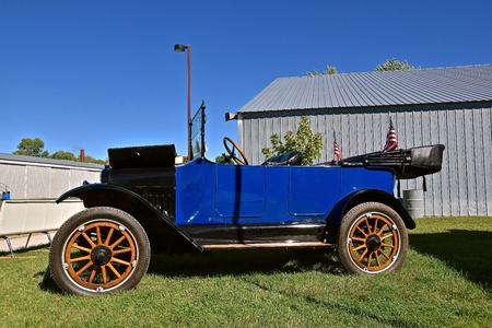 DALTON, MINNESOTA, Sept 8, 2017: A restored  1916 Maxwell is displayed at the annual September Dalton, MN tractor show where 1000s attend.