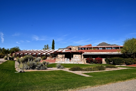 SCOTTSDALE, ARIZONA, January 28, 2018, An architectural view of  Taliesin West, the winter home of  architect Frank Lloyd Wright and architectural school in the desert near Scottsdale, Arizona origina 報道画像