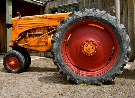 HILLSBORO, NORTH DAKOTA, May 10,2019:  The old Minneapolis Moline R tractor  was from the company based in Minnesota, and was the product of a merger between three companies in 1929: Minneapolis Steel & Machinery (MSM), Minneapolis Thres
