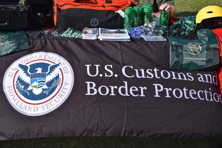EAST GRAND FORKS, MINNESOTA, May 9, 2019:  A booth displaying the United States Customs and Border Protection is the largest federal law enforcement agency of the United States Department of Homeland Security, Imagens - 123572756