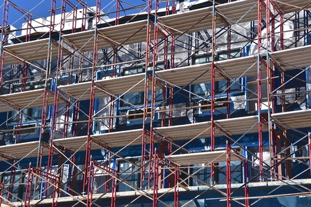 Levels of scaffolding on the remodeling of a huge building