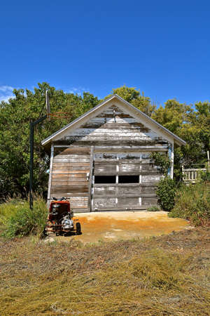 garage, peeling, paint, rural, country, countryside, disrepair, grunge, old, farm, memories, neglected, shed, building, architecture, deserted, three, wheel, go-cart, motorized, junk, junker, scooter,