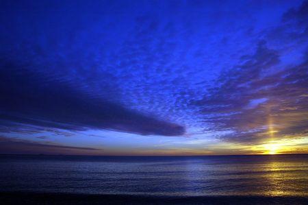 Beau lever de soleil d'hiver sur l'oc�an atlantique � Hampton Beach, NH