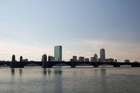Skyline la ville de Boston de Cambridge sur la Charles River