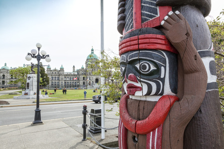 legislature: Totem Poles outside the legislature building, Victoria, BC