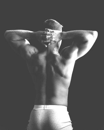 defined: un punto di vista posteriore di un uomo nella buona figura