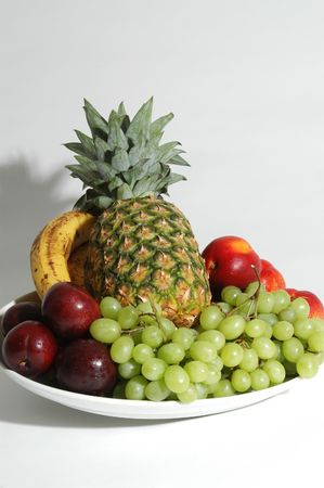 フルーツの盛り合わせ 3 垂直