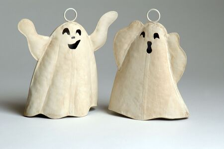 horrify: whoooooo   two ghosts