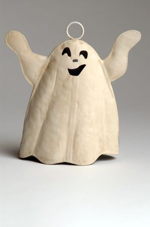 horrify: a halloween ghost about to fly