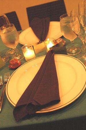 mesa para banquetes: lugar de la tabla del banquete que fija en luz corta