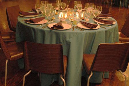 mesa para banquetes: banquete en el cuadro de poca luz