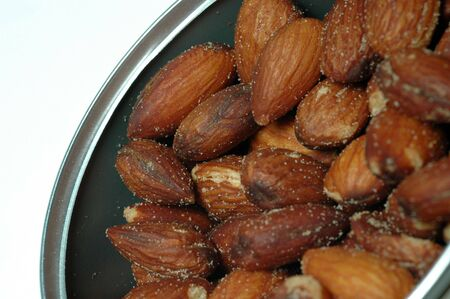 roasted salted almonds in can macro